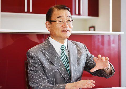 イメージ写真_東京農業大学名誉教授_小泉幸道先生_インタビュー中