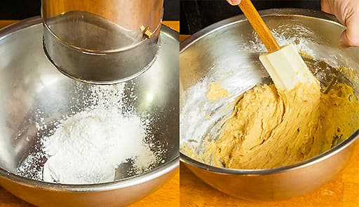 調理工程04_小麦粉・ベーキングパウダー・塩をふるいにかけ、先ほどのボウルに少しずつ入れて混ぜる