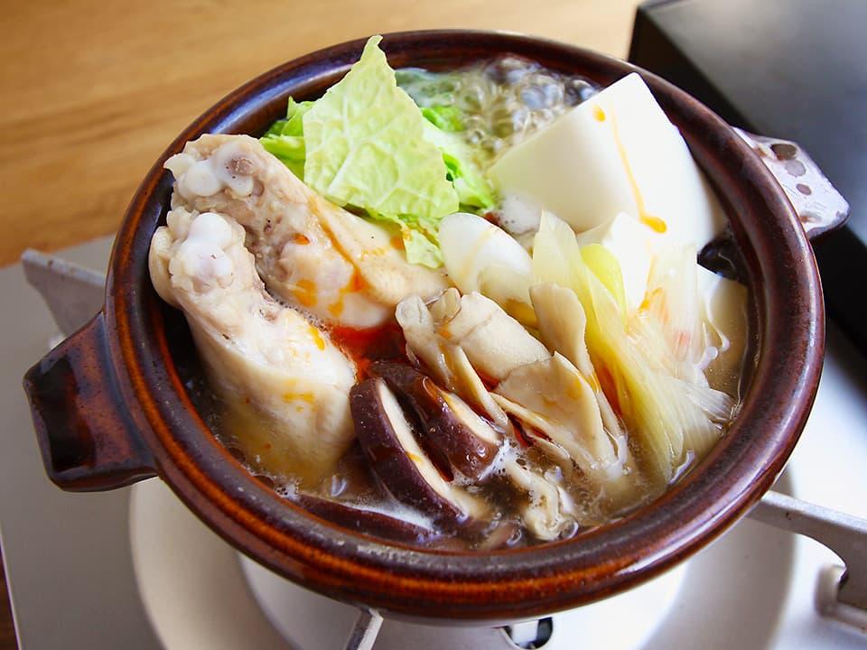 料理写真_お酢をかけた鍋