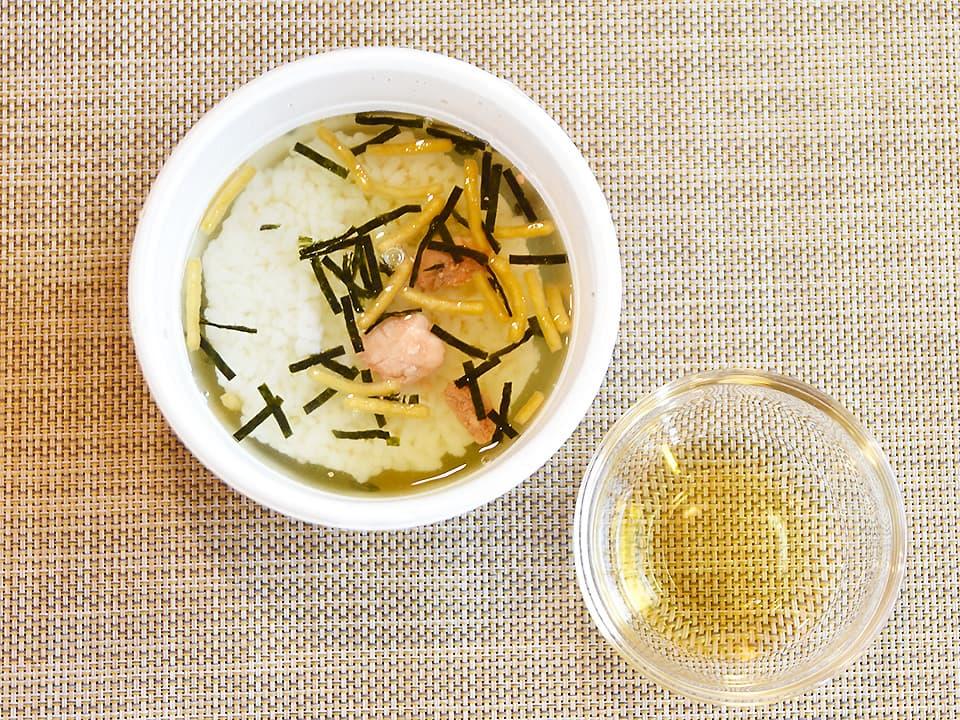 料理写真_お茶漬けにお酢