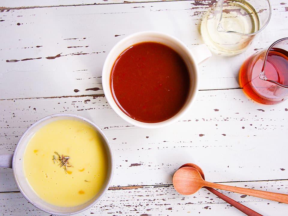 イメージ_コーンポタージュとトマトスープ