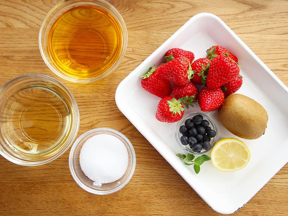 食材写真_ピクルスの材料_フルーツと調味料